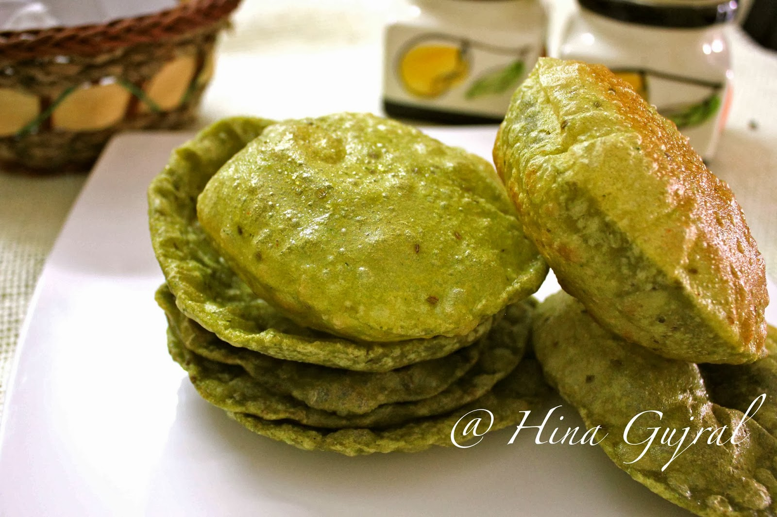 Spinach Puri Recipe