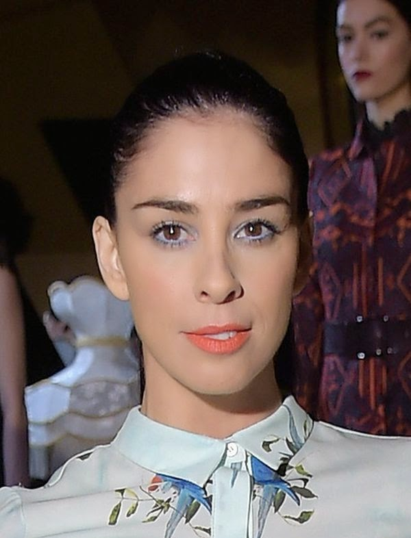 Sarah Silverman put her classical garment to forward as she attended the Mercedez-Benz Fashion Week at New York City on Monday, February 6, 2015.