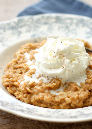 Pumpkin Pie Oatmeal is just what your morning needs! - get the recipe at barefeetinthekitchen.com