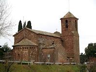 Vista de conjunt de l'església de Sant Martí del Brull