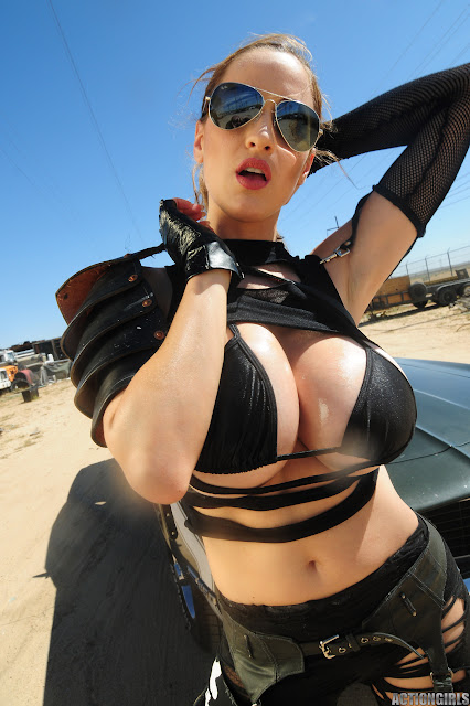 Jordan Carver - Actiongirls