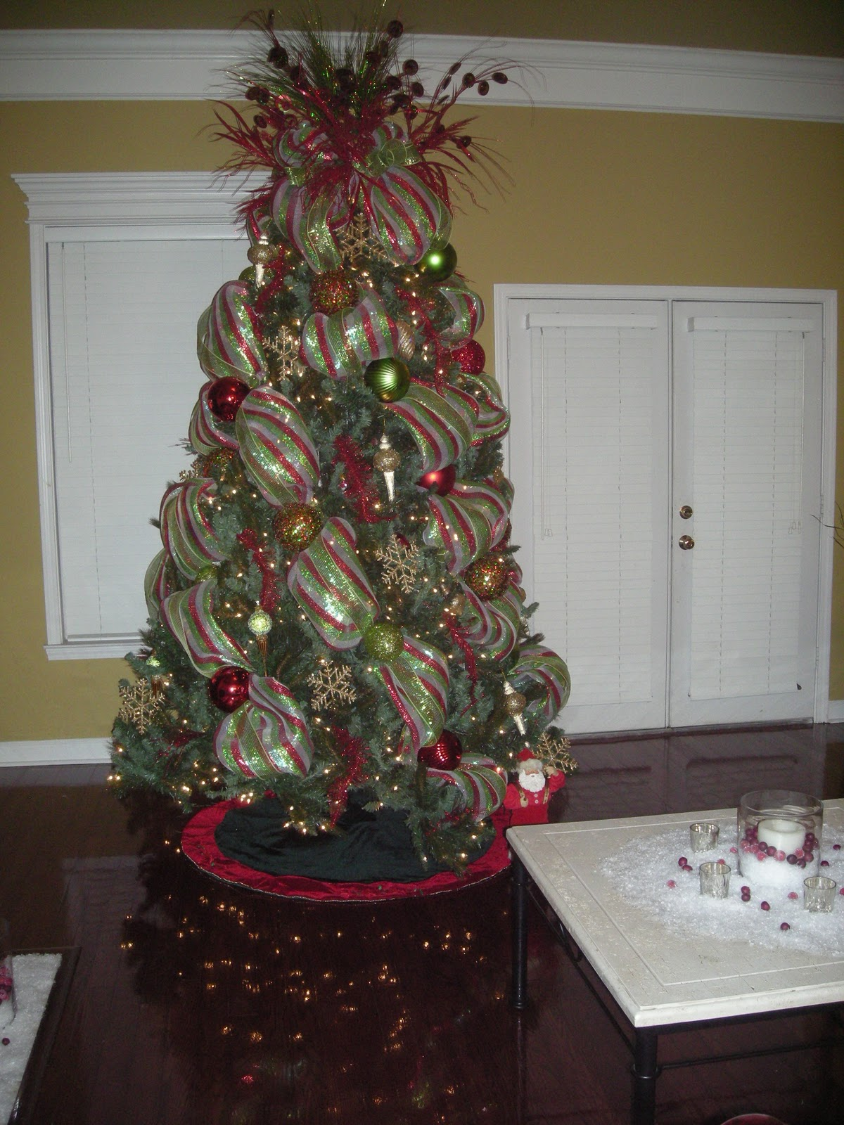 Christmas tree decorations with mesh - photo#1
