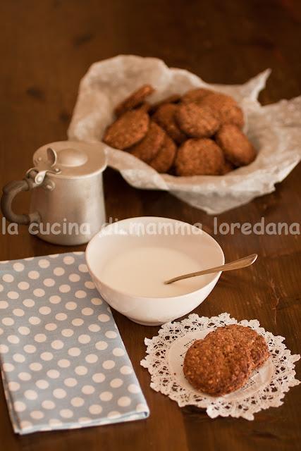 Biscotti all'avena, farro e segale senza burro, senza uovo