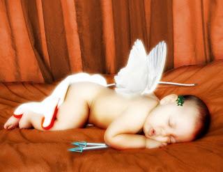 foto de bebe cupido durmiendo