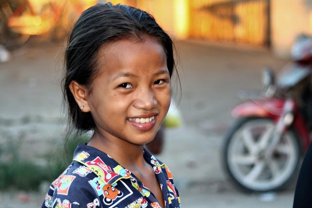 Sourire khmer  Sourire d'une enfant de Phnom Penh. Photo KiamProd