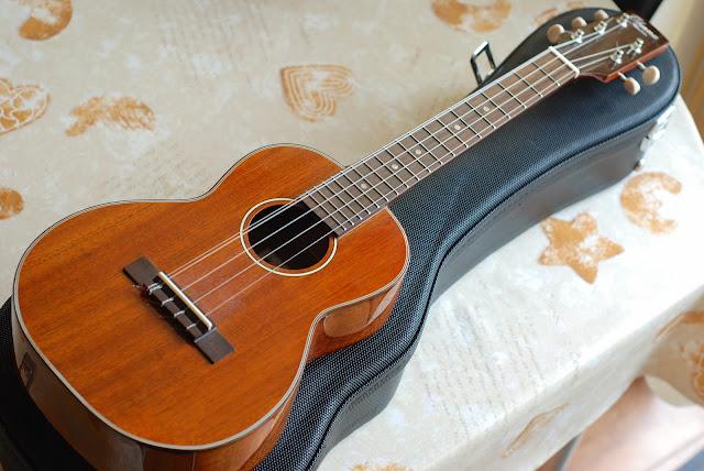 Ohana TK-35G-5 Tenor 5 string ukulele