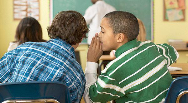 Trik Atasi Anak yang Suka Ngobrol di Kelas, Khusus untuk Para Orang Tua !