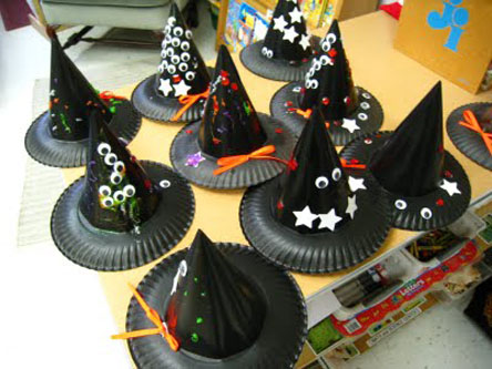 Halloween Craft Ideas Construction Paper on The Hat Is Easily Made From A Paper Plate And Construction Paper With