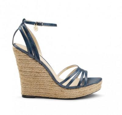 06 sandals Босоніжки: прикраса для жіночих ніжок