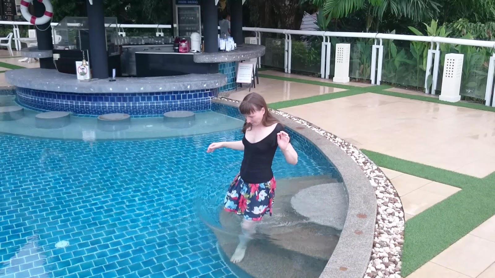 рассказы в бассейне