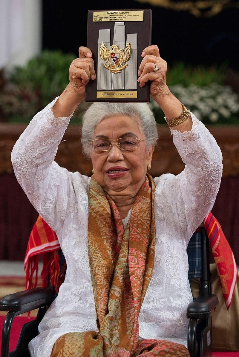 Biodata Profil Ibu Likas Tarigan Istri Letjen TNI Djamin Ginting Pahlawan Nasional