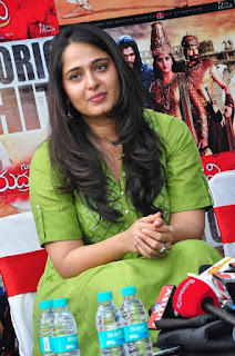 Anushka Shetty looks Old at Rudramadevi success meet