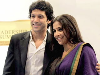 shaadi ke side effects HOT wallpapers of vidya balan and farhan akhtar,on the set of photos and pictures as well.