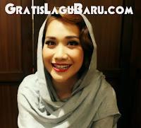 Download Lagu Bunga Citra Lestari BCL Bulan Penuh Ampunan Mp3