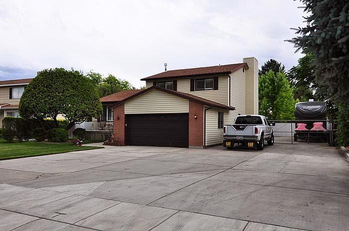 Locate utah homes west jordan utah multi level home for for Multi level homes for sale