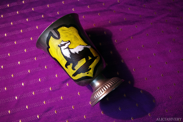 aliciasivert, alicia sivert, alicia sivertsson, helga hufflepuffs bägare, hufflepuff, cup, pokal, halloween, handicraft, craft, diy, hantverk, handarbete, art, konst, fanart, fan art, monthly makers maj magi magic