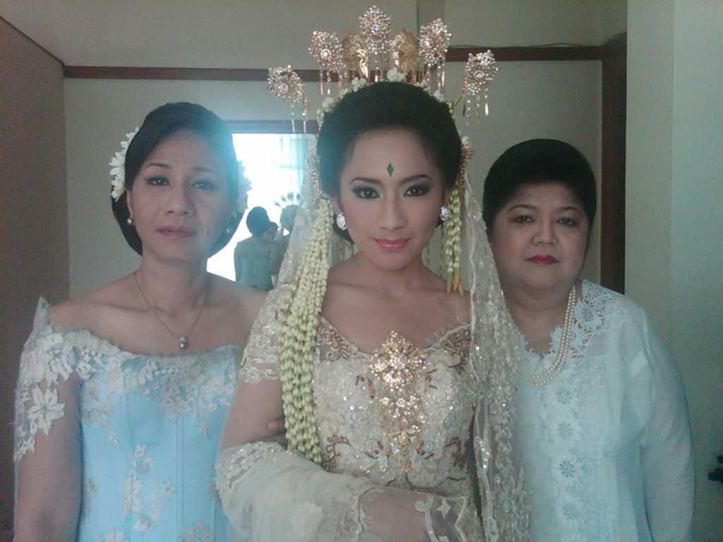 Baju Pengantin Adat Sunda Modern | blackhairstylecuts.com