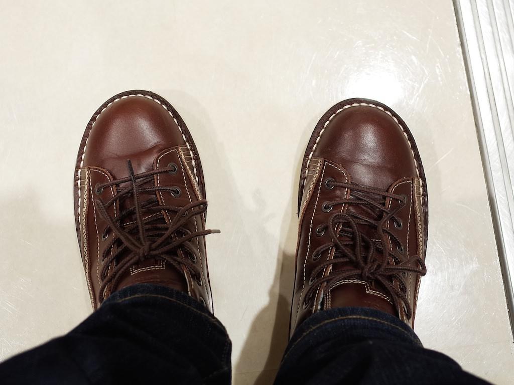 秋葉原の靴磨き屋さん【Waltz ...