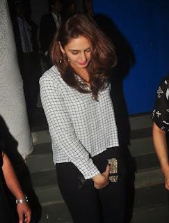 Bollywood actress Huma Qureshi snapped at Olive  (5).jpg