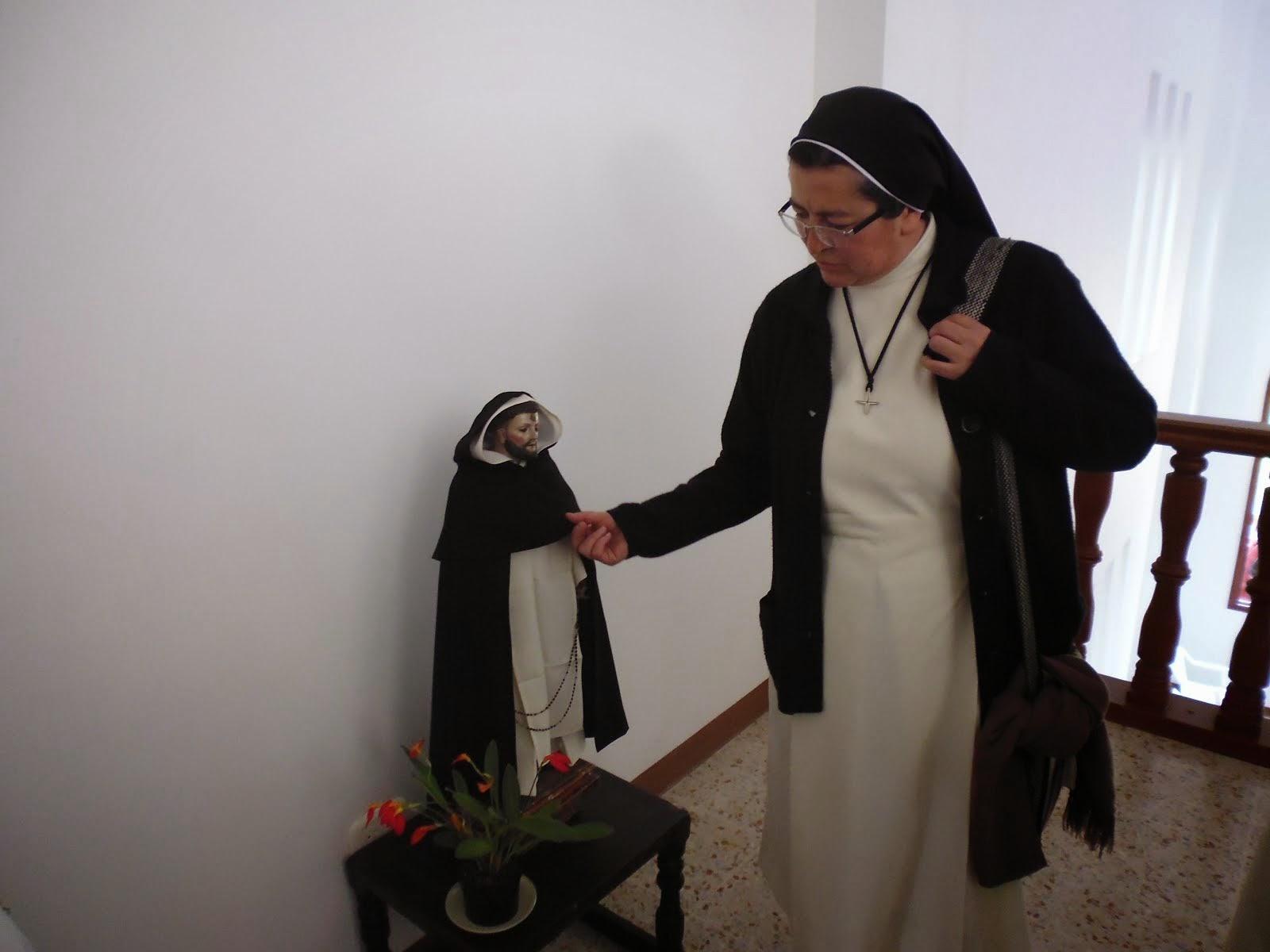 Santo Domingo y una muy querida Hermana de la Presentación