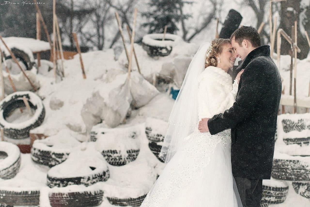 Весілля на фоні барикад, Львів