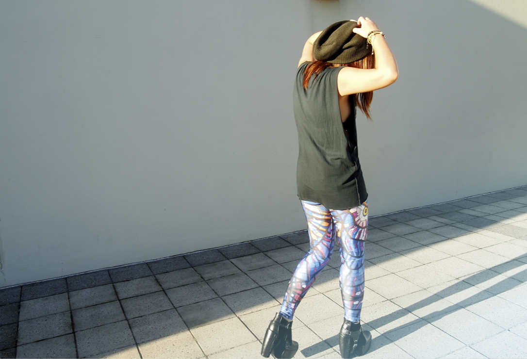Anthea wallking in photos wearing blackmilk leggings on epique blog