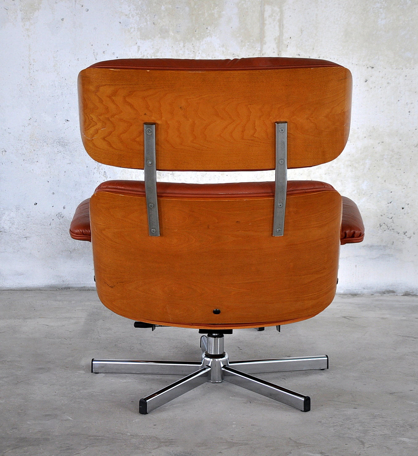 Select modern - Selig eames chair ...