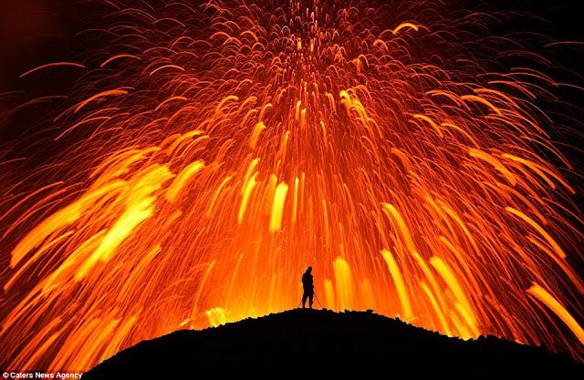Iceland volcano by Skarphedinn Thrainsson