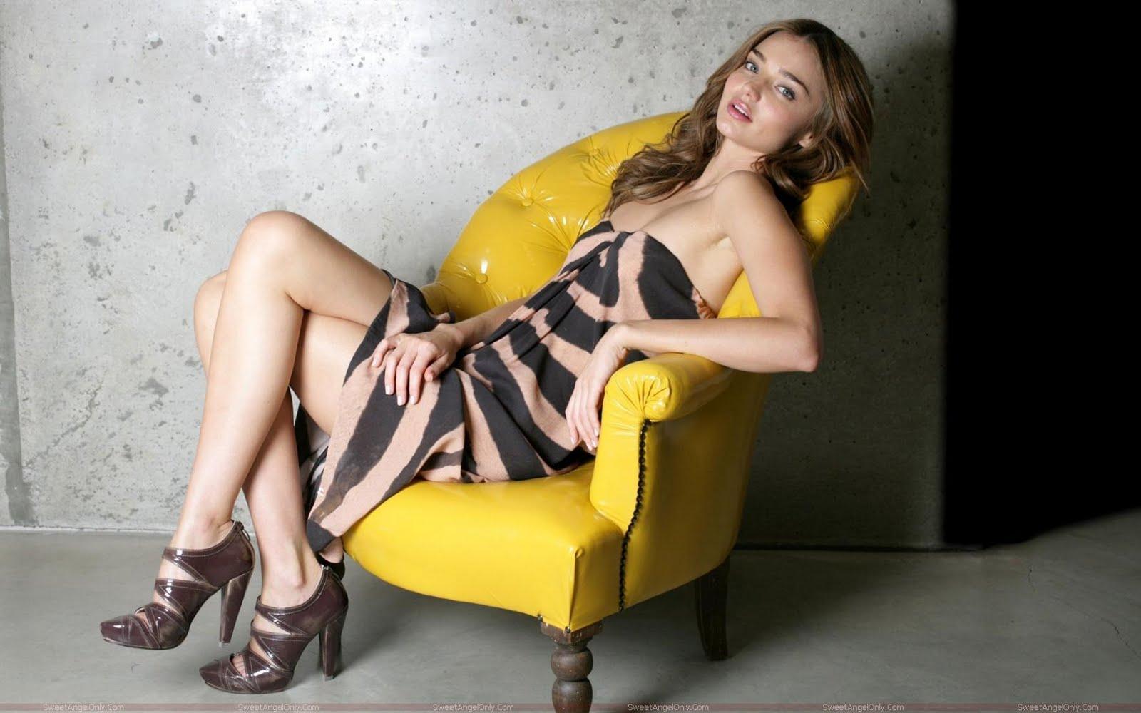 http://2.bp.blogspot.com/-afsJGAIT3I4/TZHnHa1Z0MI/AAAAAAAAGH8/hLDDkhmwTrQ/s1600/miranda_kerr_fashion_model_wallpaper_sweetangelonly_03.jpg