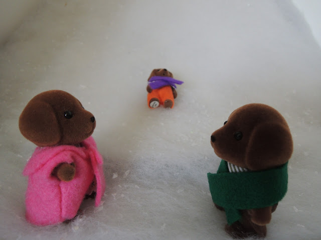 Sylvanian Families Hunter-Smyth Chocolate Labradors coats snow winter christmas