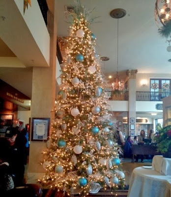 Christmas Decorations at the Hotel Bethlehem - Bethlehem, PA | Taste As You Go