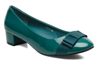 Low heel green court shoes with bow detail