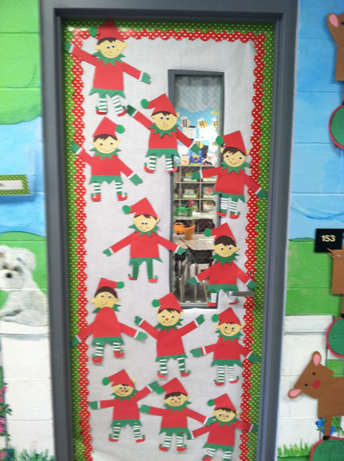 Life in first grade elf craft freebie for Elf door decoration