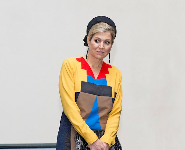 Queen Maxima wore Spijkers en Spijkers Grasshopper Multi Colour Dress.