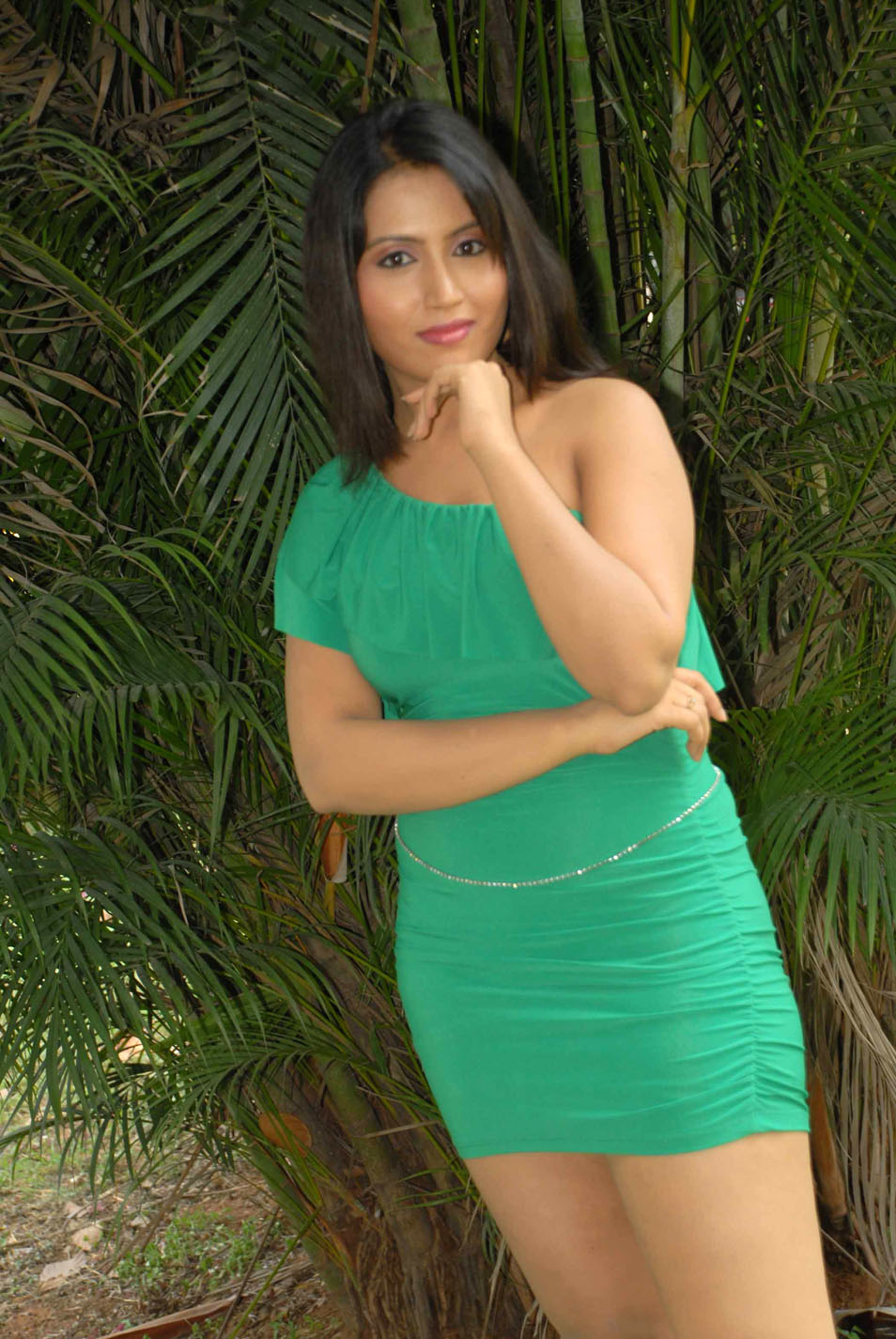 Happy Holi 2012 Bharathi Hot Stills In Tight And Short Skirts