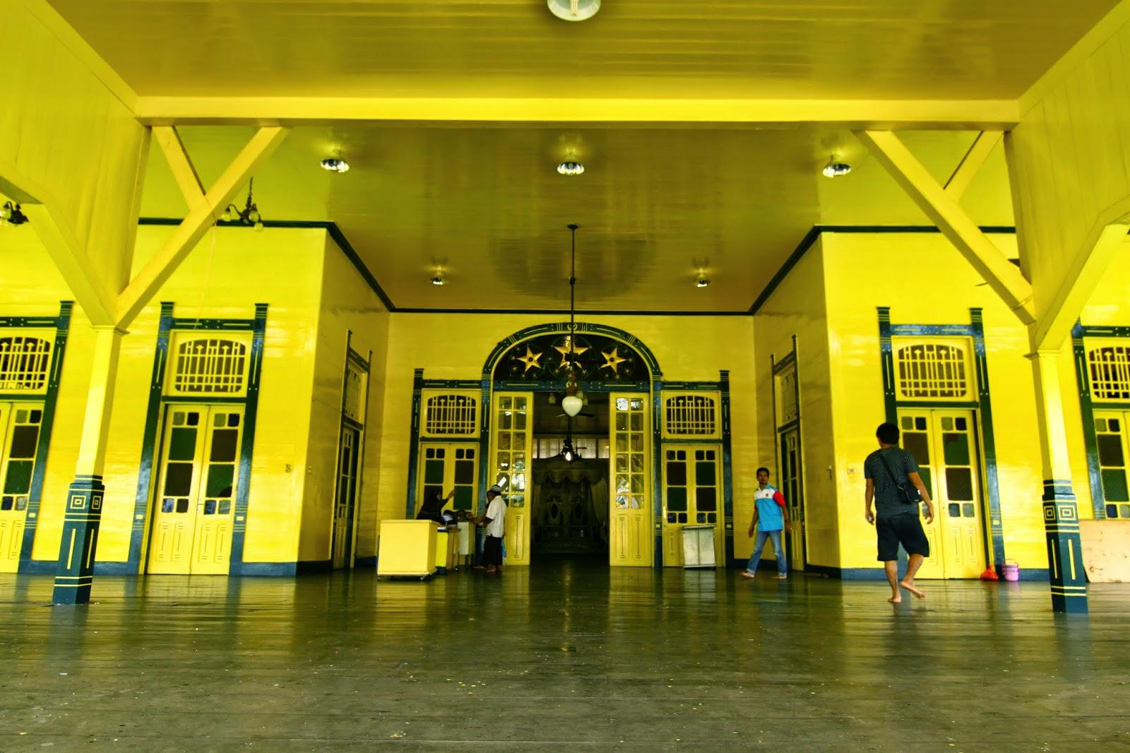 Pintu masuk Istana Kadriyah
