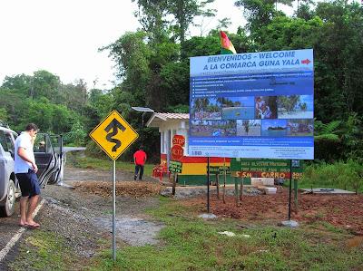 Puesto control Guna Yala, San Andrés, Panamá, round the world, La vuelta al mundo de Asun y Ricardo, mundoporlibre.com