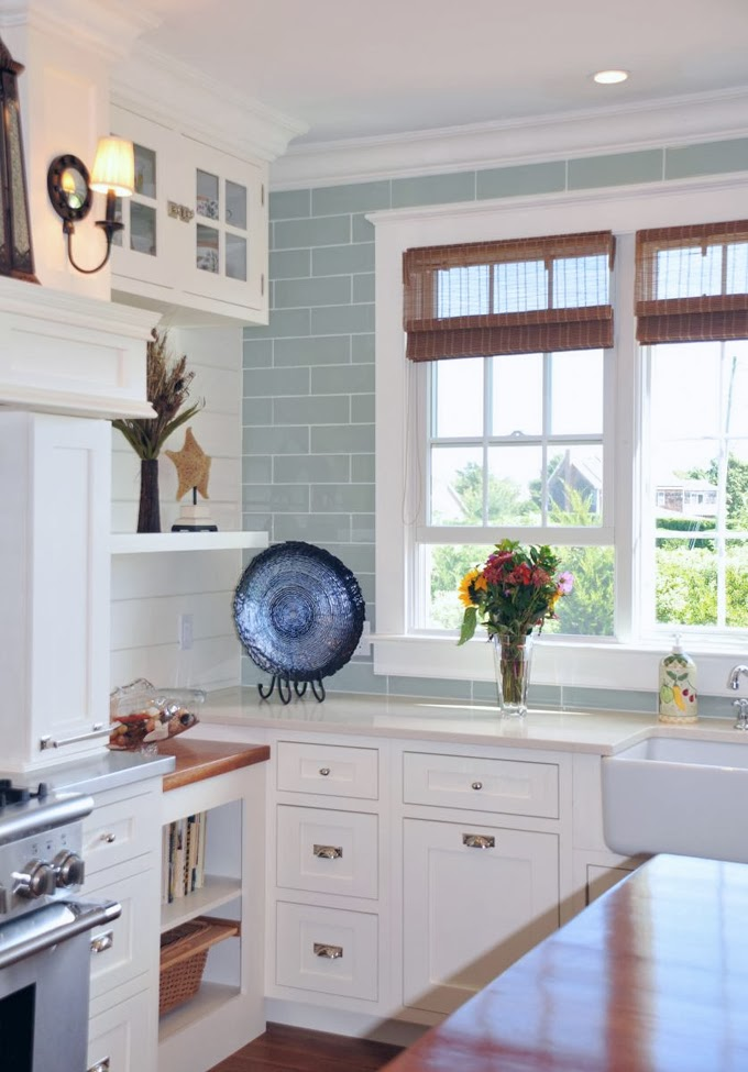 House of turquoise susan serra for Beach house kitchen designs