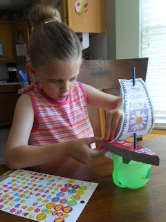 Minorhappenings Girl Scouts Raingutter Regatta