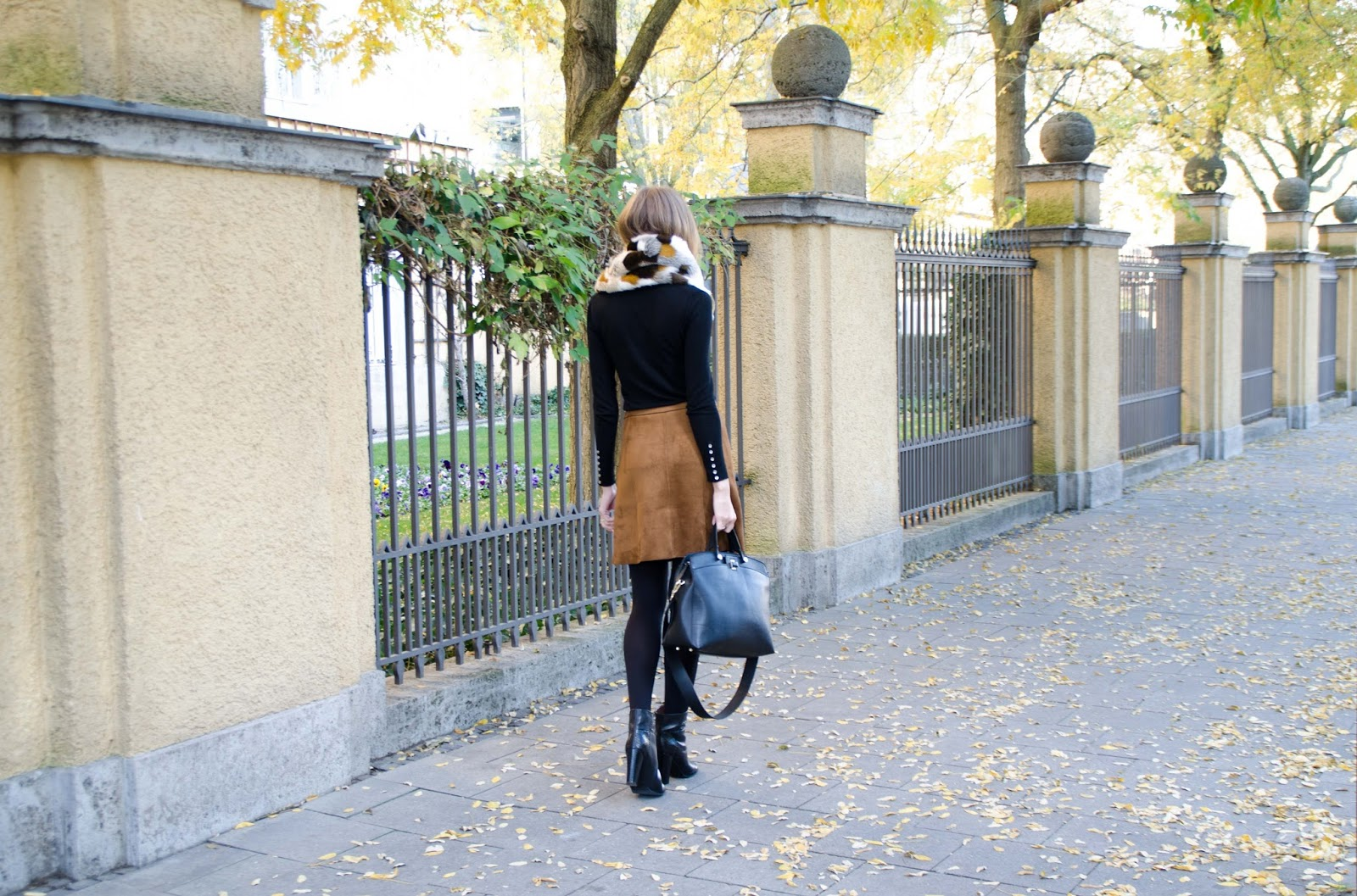 kristjaana mere suede skirt black fall outfit fashion