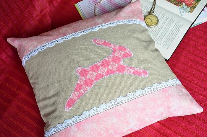 Диванные подушки, аппликация, кролик. Ольга Граф