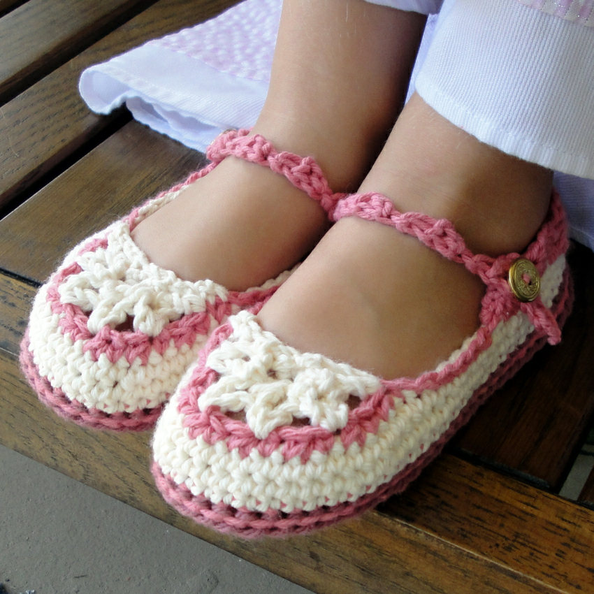 Genevive Crochet: Toddler Mary Jane Slippers Crochet ...