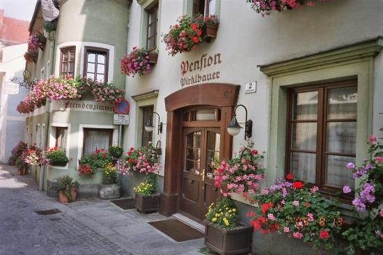 تعرف على أحد بلدات النمسا الساحرة hotel.jpg
