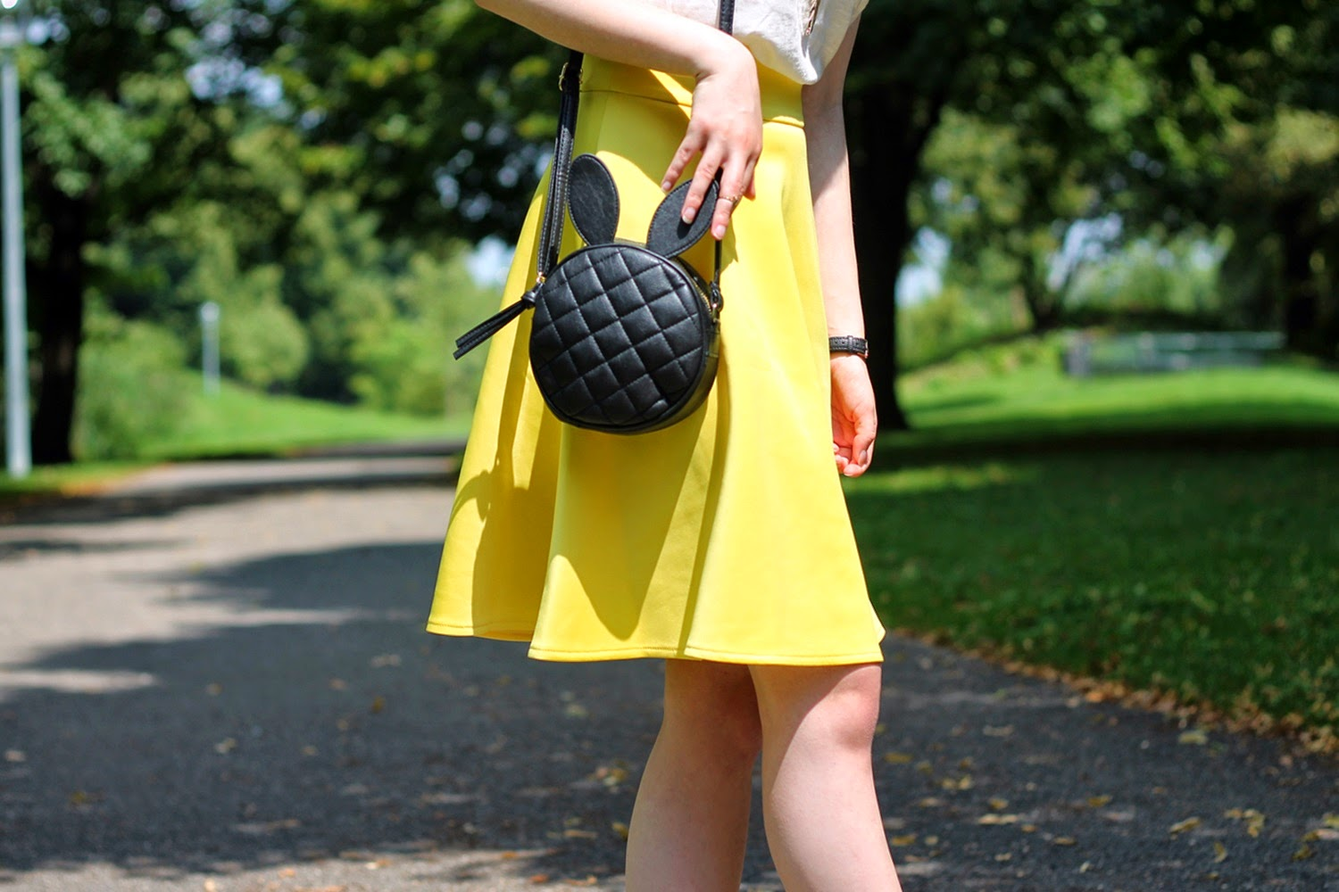 The yellow skirt moment