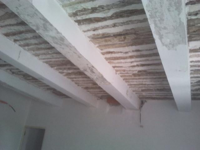 Plafond à la provençale en cours de restauration