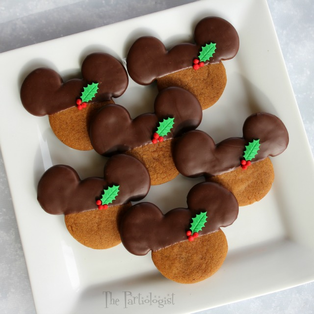 chocolate gingerbread mickey - Mickey Mouse Christmas Cookies