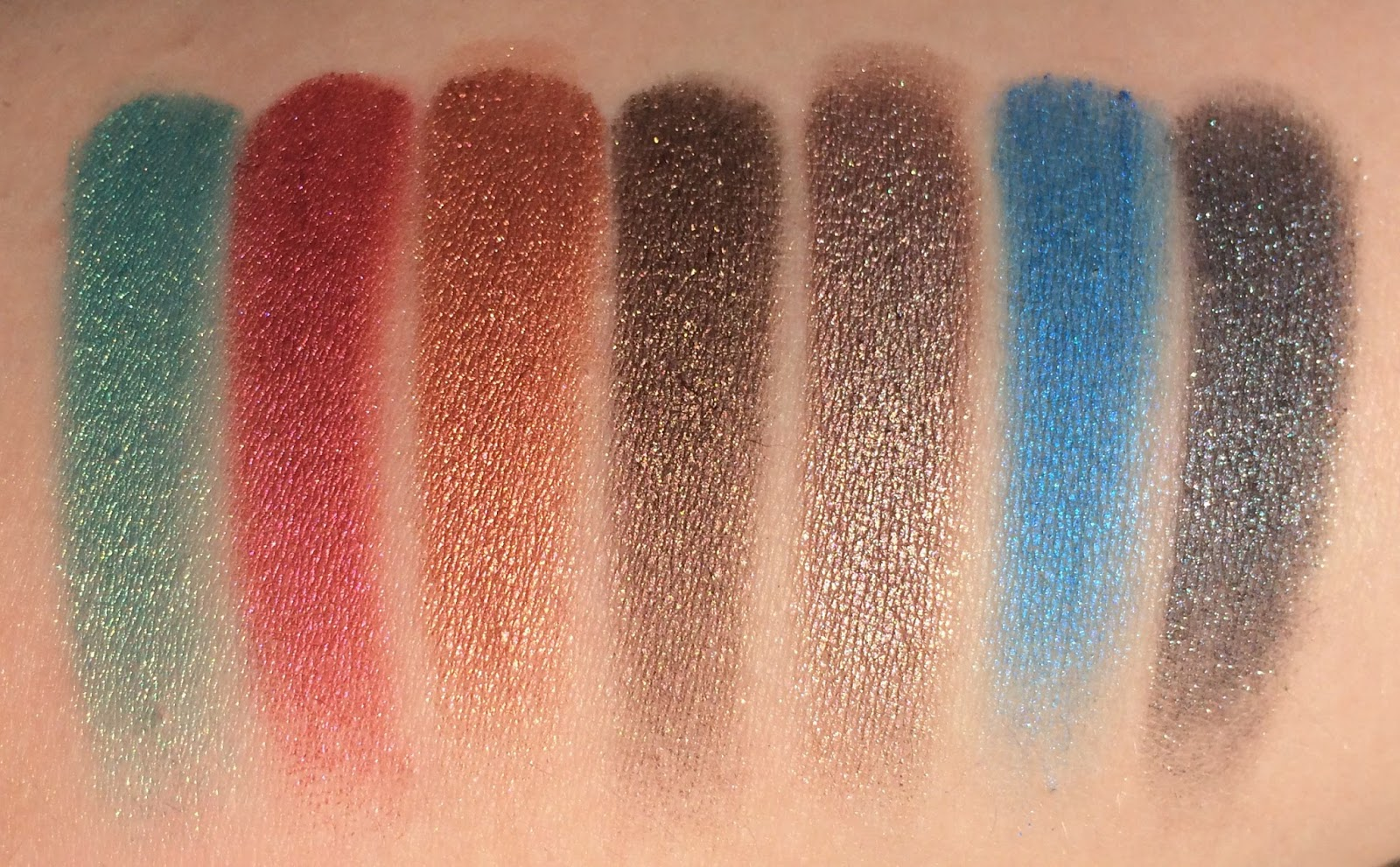 Make-Up-Revolution-Eyes-Like-Angels-Palette-Swatches