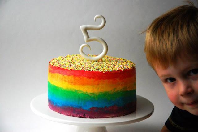 Regenboog botercreme taart met discodip