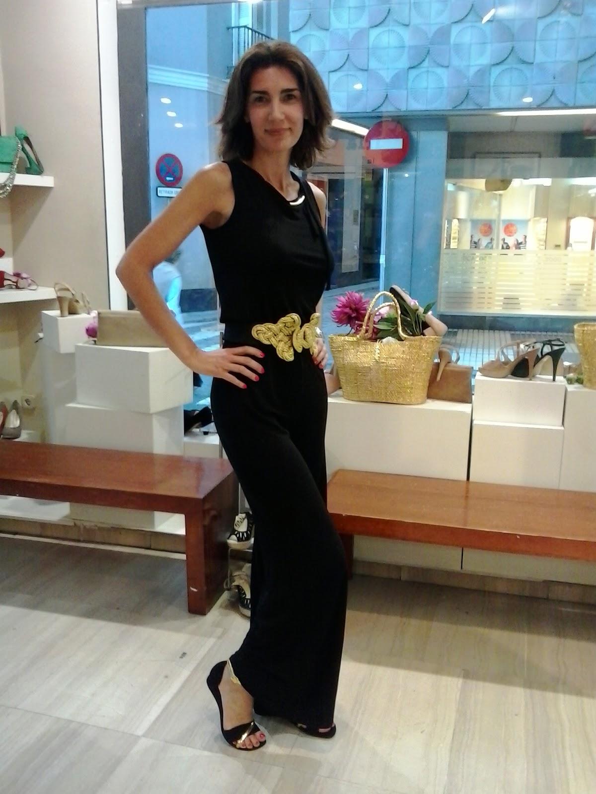 Zapatos negro y oro una acertada elecci n blog zapatos - Zapatos nuria cobo ...