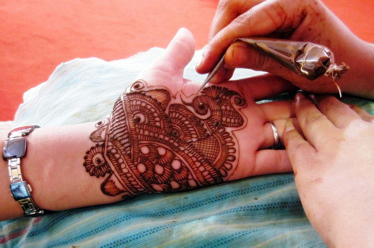 Mehndi For God : Rani beautician mehndi henna expert design